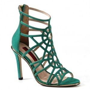 💯 Authentic Luichiny Green Stiletto